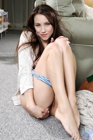 God damn this girl is so fuckin hot perfect tits and silver dollar sized nipples blue eyes dark hair