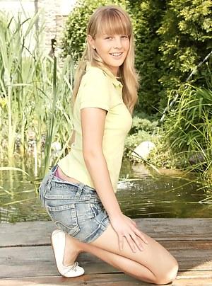 Young Porn Pics at TeenSalute.com