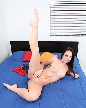 Seductive Jade Dunn lotions up her juicy ass and perky tits